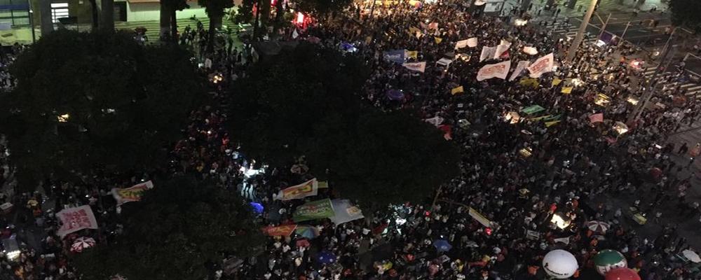 Ato da Educação reúne 40 mil no Rio de Janeiro