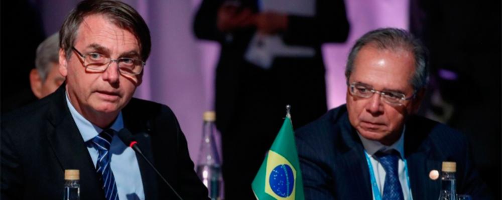 Bolsonaro pede estudo para reajuste linear de 5% a servidores